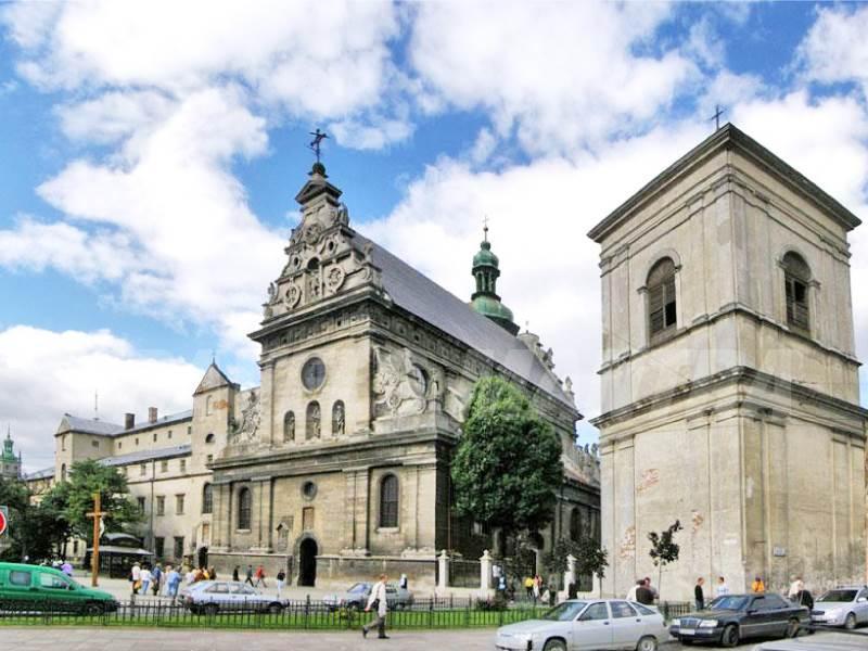 Cathedral-of-Bernadine-Ukraine_web