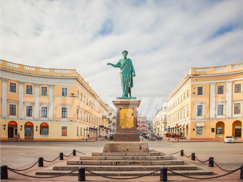 Monument-of-Duke-de-Richelieu-Ukraine_web