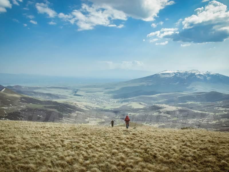 teghnis-mountains-armenia_web